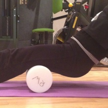 Figure 5.3.2 Use of the roller on the hamstrings